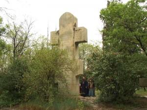 Мраморный крест на русском клабдище Порт-Артура